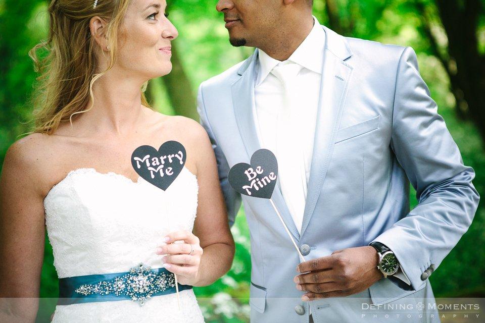 bruidsjurk-blauw-lint-strass-bruidsfotografie-rijk-van-keizer-amsterdam-trouwreportage-trouwlocatie-bruidsreportage-wedding-photographer-netherlands-holland