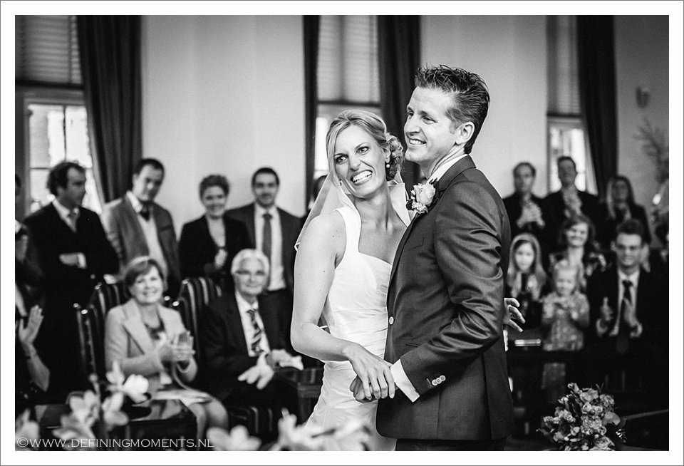 bruidsfotograaf trouwfotograaf breda landgoed wolfslaar trouwen authentieke ongeposeerde documentaire trouwfotografie trouwfoto journalistieke bruidsfoto natuurlijke emotionele bruidsfotografie documentary wedding photography photographer