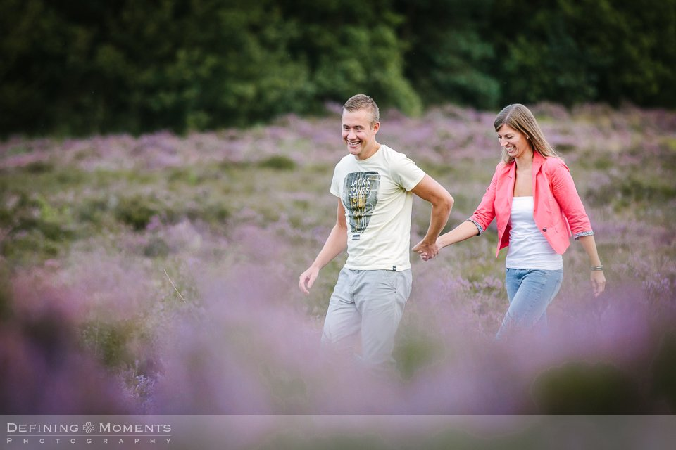 pre-wedding-shoot-love-shoot-verlovingsshoot-breda-galderse-heide-natuur-engagement-session-nature-wedding-photographer-netherlands-holland-bruidsfotografen-trouwfotografen-team-duo-bruidsfotografie