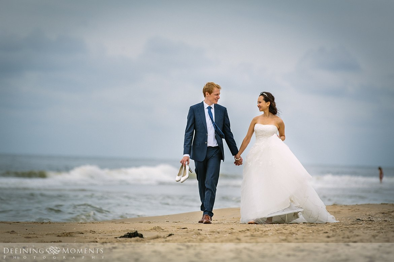 bruidsfoto strand trouwfotograaf strandclub doen bruidsfotograaf scheveningen strand trouwreportage nieuwe_badkapel bruidsreportage den_haag journalistieke reportage documentaire bruidsfotografie