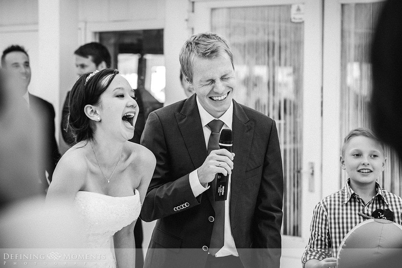 speeches receptie trouwfotograaf strandclub doen bruidsfotograaf scheveningen strand trouwreportage nieuwe_badkapel bruidsreportage den_haag journalistieke reportage documentaire bruidsfotografie