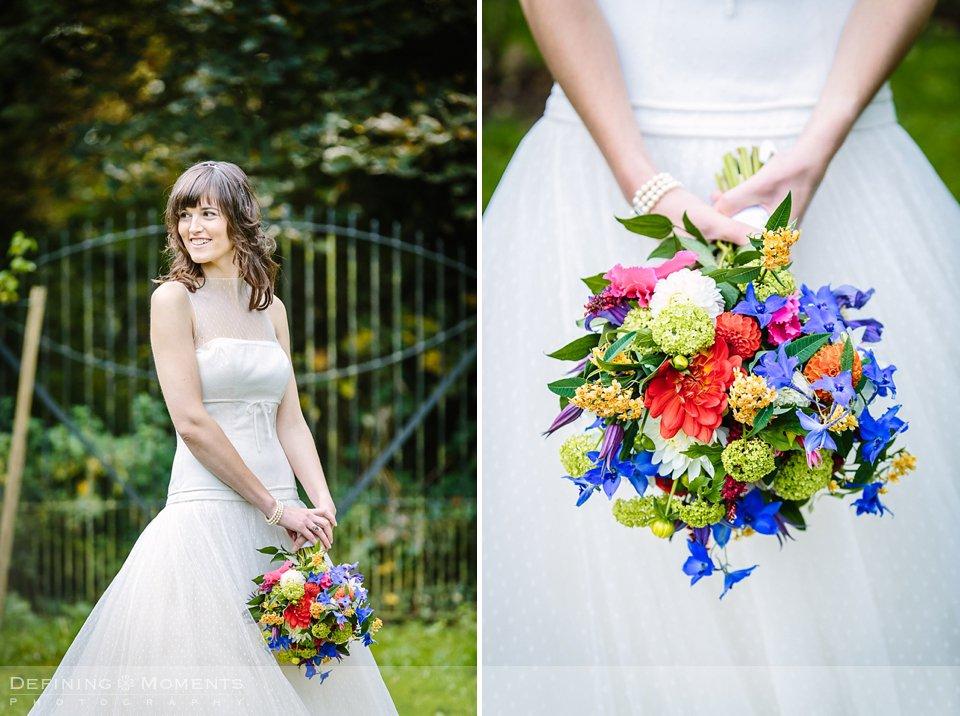 bruidsfotografie-duo-trouwfotografen-landgoed-wolfslaar-trouwen-breda-trouwreportage-trouwlocatie-bruidsreportage-wedding-photography-netherlands-holland-bruidsboeket-fleurig