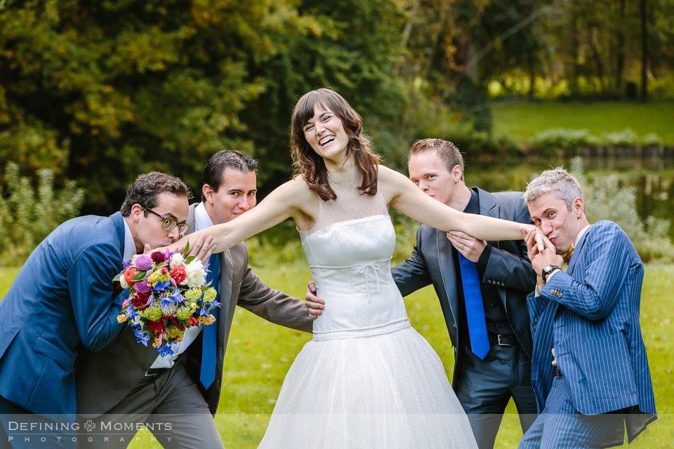 groepsfoto-bruidsfotografie-duo-trouwfotografen-landgoed-wolfslaar-trouwen-breda-trouwreportage-trouwlocatie-bruidsreportage-wedding-photography-netherlands-holland