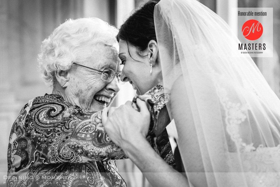 wedding-photography-breda-landgoed-wolfslaar-bride-grandma-emotion-embrace-masters-of-dutch-wedding-photography-honourable-mention-wedding-photographer-netherlands-holland