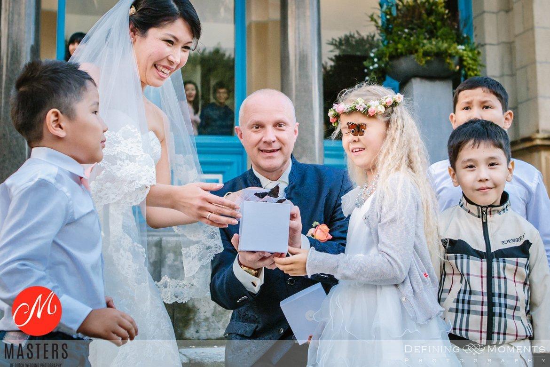 authentieke ongeposeerde documentaire trouwfotografie trouwfoto journalistieke bruidsfoto natuurlijke emotionele bruidsfotografie documentary wedding photography photographer haarlem orangerie_elswout