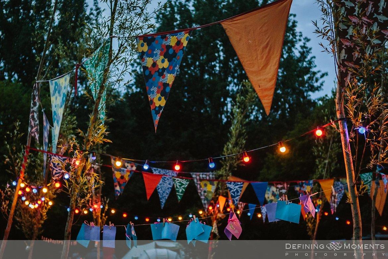 huwelijksfotograaf trouwreportage bruidsreportage trouwfoto bruidsfoto bruidsfotografie camping lievelinge buitenbruiloft vintage spiegeltent trouwlocatie bruiloft utrecht rotterdam den_bosch