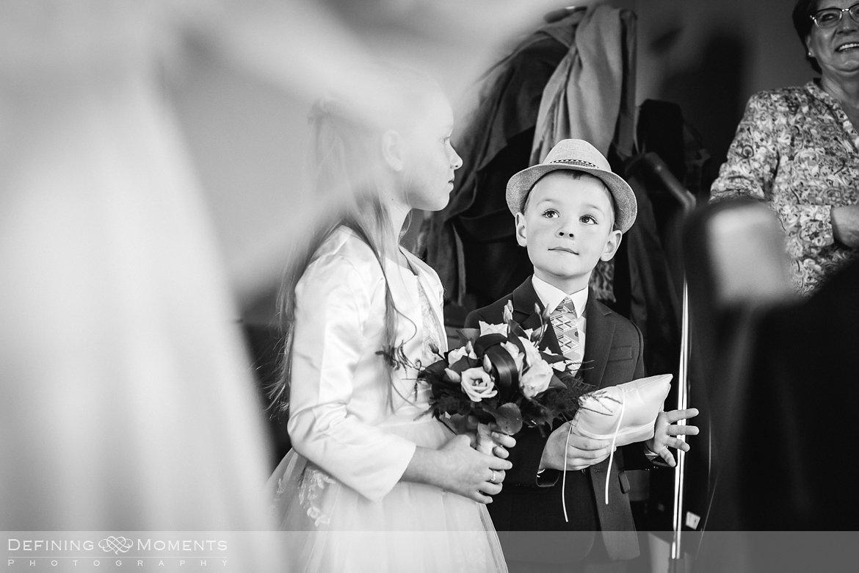 bruidskindjes journalistiek trouwfotograaf petruskerk etten_leur documentair bruidsfotograaf authentieke natuurlijke bruidsfotografie trouwfotografie breda huwelijk bruidsreportage trouwreportage