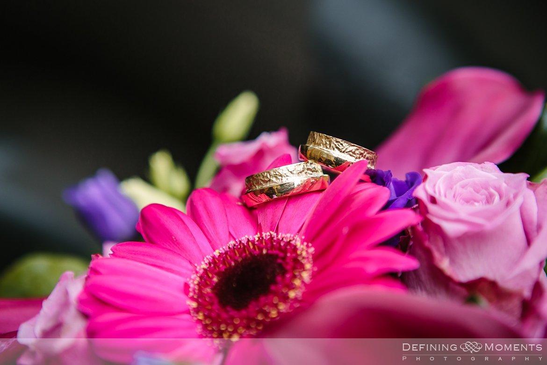 trouwringen detail journalistiek trouwfotograaf locloods roosendaal documentair bruidsfotograaf authentieke natuurlijke bruidsfotografie trouwfotografie breda huwelijk bruidsreportage trouwreportage goud