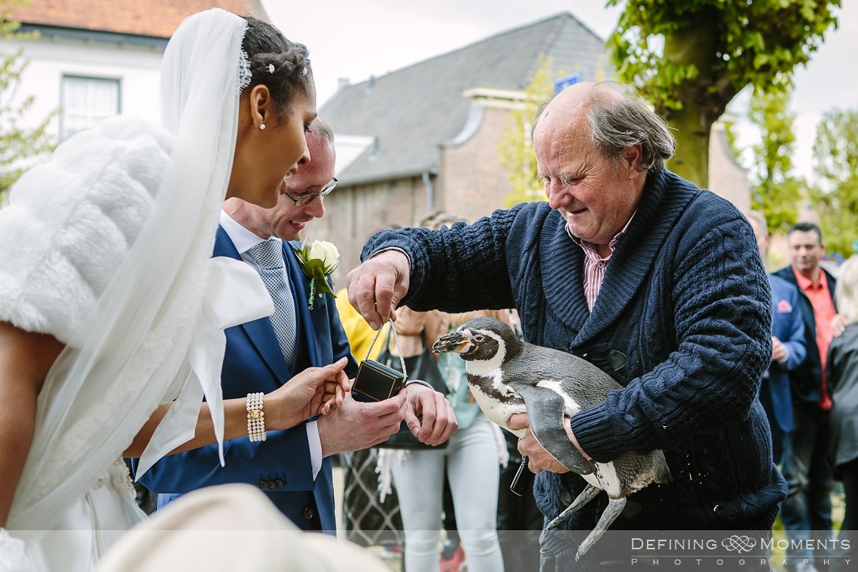 pinguins journalistiek trouwfotograaf petruskerk etten_leur documentair bruidsfotograaf authentieke natuurlijke bruidsfotografie trouwfotografie breda kerkelijk huwelijk bruidsreportage trouwreportage