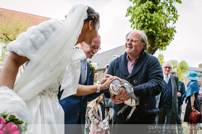 penguin journalistiek trouwfotograaf petruskerk etten_leur documentair bruidsfotograaf authentieke natuurlijke bruidsfotografie trouwfotografie breda kerkelijk huwelijk bruidsreportage trouwreportage