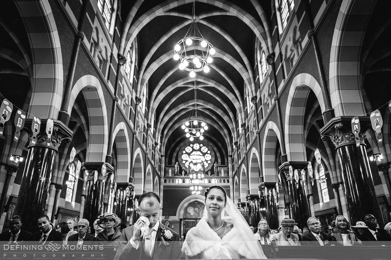 emoties kerkelijk huwelijk journalistiek trouwfotograaf petruskerk etten_leur documentair bruidsfotograaf authentieke natuurlijke bruidsfotografie trouwfotografie breda kerkelijk huwelijk bruidsreportage trouwreportage