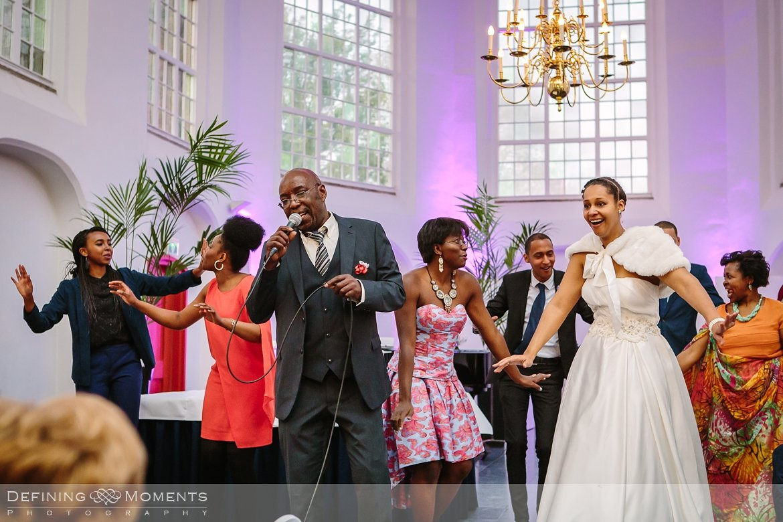 zang receptie ournalistiek trouwfotograaf lambertuskerk raamsdonk documentair bruidsfotograaf authentieke natuurlijke bruidsfotografie trouwfotografie breda kerkelijk huwelijk bruidsreportage trouwreportage