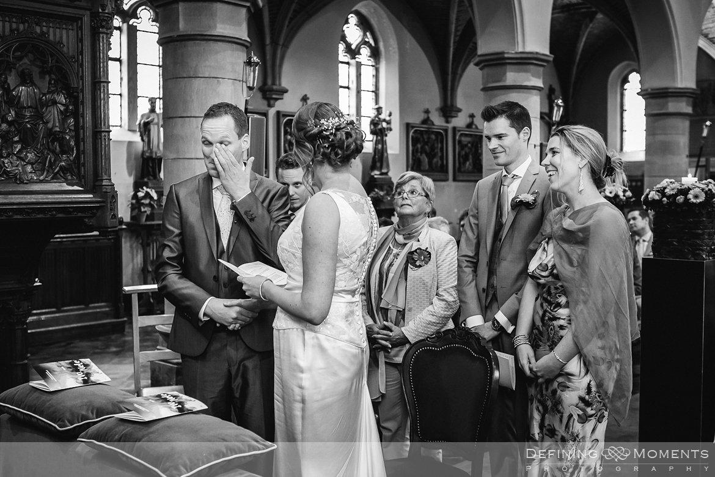 trouw huwelijk huwelijksfotograaf trouwreportage kerkelijke inzegening kerk uitbergen