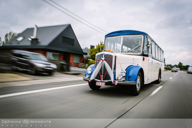 trouw huwelijk trouwvervoer oude schoolbus