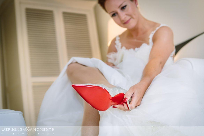 louboutin trouwschoenen huwelijksfotograaf trouwreportage bruidsreportage trouwfoto bruidsfoto bruidspaar bruidsfotografie trouwreportage bliss_hotel breda landgoed_wolfslaar trouwfotograaf bruidsfotograaf