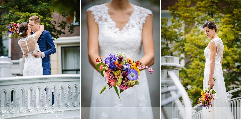 kleurrijk bruidsboeket huwelijksfotograaf trouwreportage bruidsreportage trouwfoto bruidsfoto bruidsfotografie duo bruid bruidegom rotterdam vertrekhal trouwlocatie bruiloft