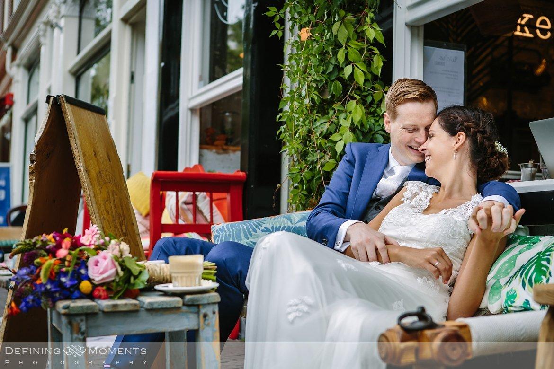 delft bruidspaar huwelijksfotograaf trouwreportage bruidsreportage trouwfoto bruidsfoto bruidsfotografie duo bruid bruidegom rotterdam vertrekhal trouwlocatie bruiloft