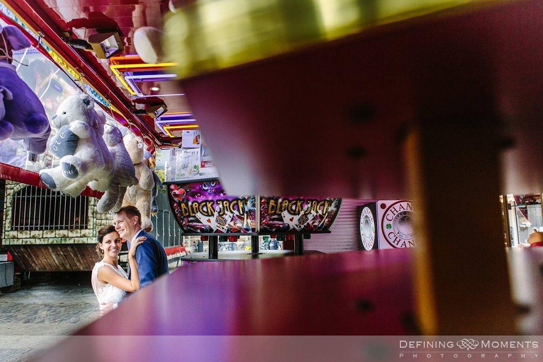 delft kermis bruidspaar huwelijksfotograaf trouwreportage bruidsreportage trouwfoto bruidsfoto bruidsfotografie duo bruid bruidegom rotterdam vertrekhal trouwlocatie bruiloft