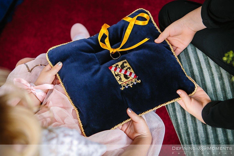 stadhuis schiedam bruidsfotografie trouwfotografen duo rotterdam vertrekhal trouwreportage bruidsreportage trouwfoto bruidsfoto bruidsfotografie bruid bruidegom trouwlocatie bruiloft trouwringen