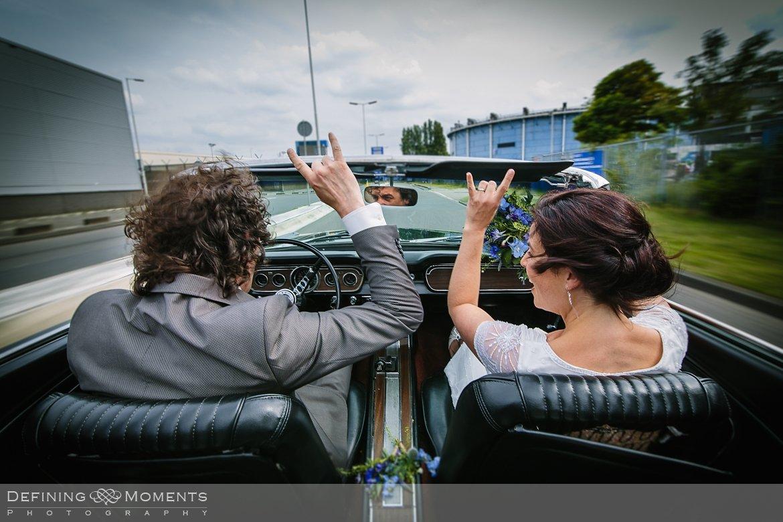 bruidsfotografie trouwfotografen duo rotterdam vertrekhal trouwreportage bruidsreportage trouwfoto bruidsfoto bruidsfotografie bruid bruidegom trouwlocatie bruiloft botsauto