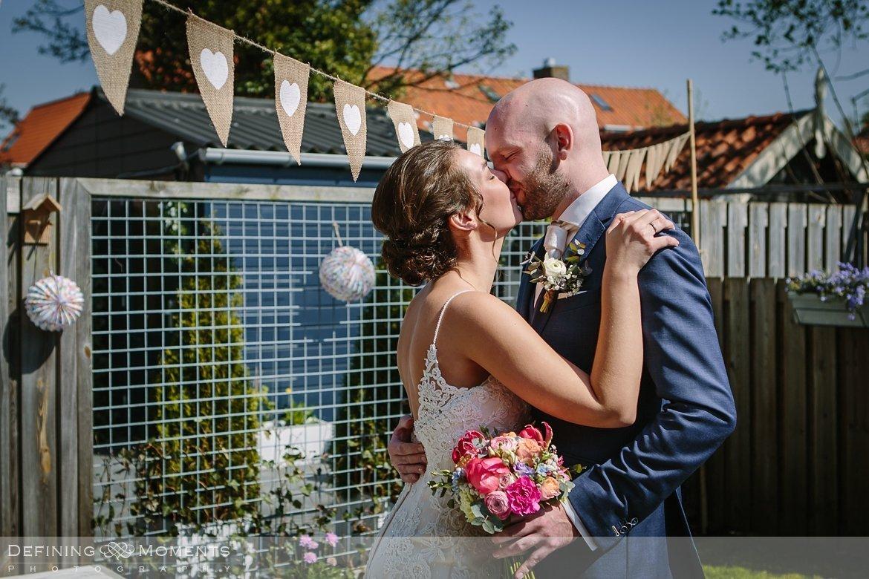 bruidsreportage trouwfotografie korenmolen princenhage breda authentieke ongeposeerde spontane trouwfotografie documentair trouwfotograaf bruidsfotograaf twee fotografen duo
