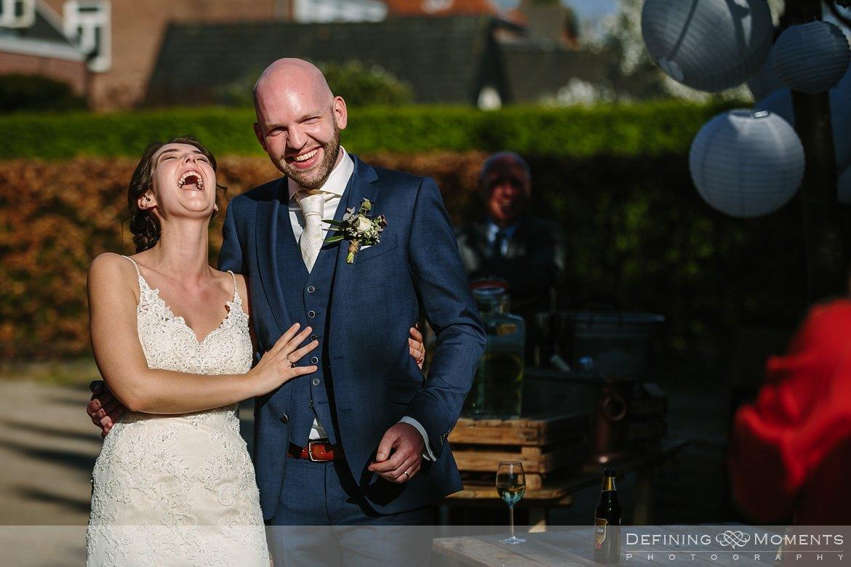 bruidspaar speeches bruidsreportage trouwfotografie korenmolen princenhage breda authentieke ongeposeerde spontane trouwfotografie documentair trouwfotograaf bruidsfotograaf twee fotografen duo