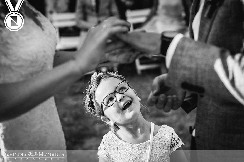 bruidsmeisje-authentieke ongeposeerde documentaire trouwfotografie trouwfoto journalistieke bruidsfoto natuurlijke emotionele bruidsfotografie documentary wedding photography photographer breda den_haag leiden rotterdam utrecht amsterdam