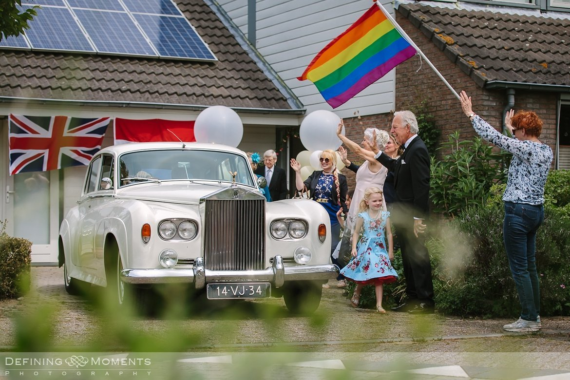 rolls_royce bruiden homohuwelijk lgbt same_sex lesbische bruiloft authentieke documentaire journalistieke trouwfotografie bruidsfotografie twee fotografen documentary wedding photography photographer kasteel_duurstede utrecht