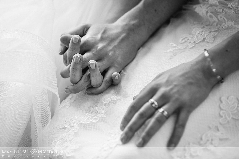 trouwringen bruiden homohuwelijk lgbt same_sex lesbische bruiloft authentieke documentaire journalistieke trouwfotografie bruidsfotografie twee fotografen documentary wedding photography photographer kasteel_duurstede utrecht