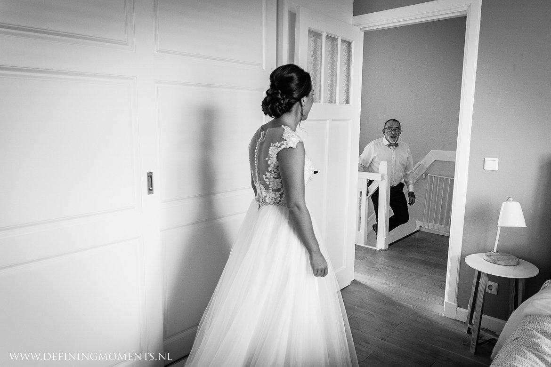 vader bruid journalistiek trouwfotograaf documentair award-winning bruidsfotograaf breda natuurlijke authentieke documentaire trouwfotografie trouwfoto journalistieke bruidsfoto bruidsfotografie