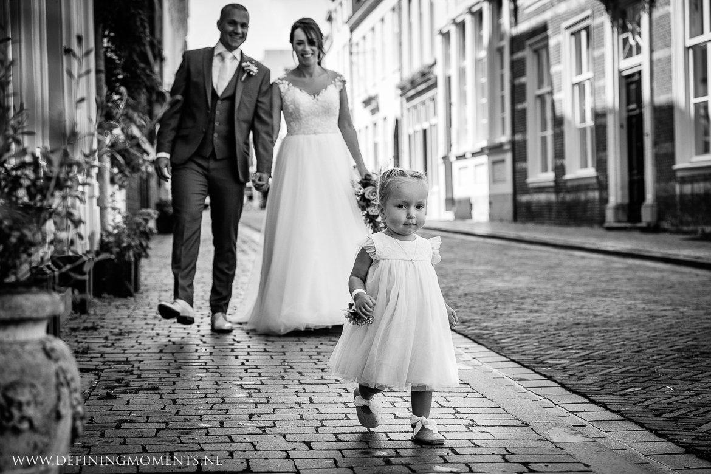 fotoshoot bergen_op_zoom zwart-wit trouwfoto bruidsfoto journalistiek trouwfotograaf documentair bruidsfotograaf breda natuurlijke authentieke documentaire trouwfotografie journalistieke bruidsfotografie