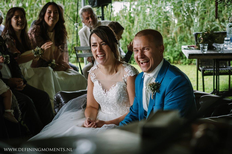 trouwcereminie landelijk buiten rustiek trouwen beneden_sas bergen_op_zoom journalistiek trouwfotograaf documentair bruidsfotograaf breda natuurlijke documentaire trouwfotografie journalistieke bruidsfotografie