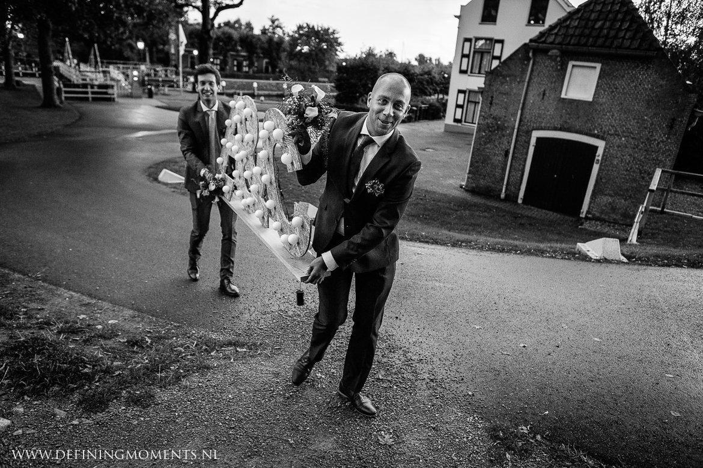 landelijk buiten rustiek trouwen beneden_sas bergen_op_zoom journalistiek trouwfotograaf documentair bruidsfotograaf breda natuurlijke documentaire trouwfotografie journalistieke bruidsfotografie